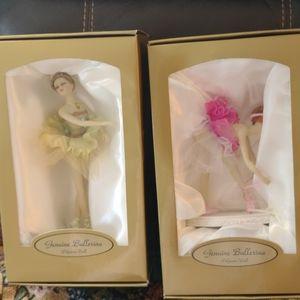 Pair Genuine ballerina polyresin dolls in box